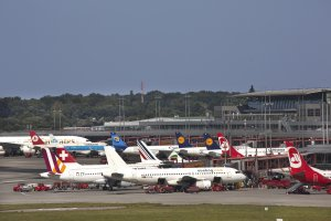 Hamburg Airport looks back on a successful 2015 and plans for moderate growth in 2016