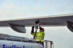Inaugural fuelling with Swedavia's aviation biofuel at Stock-holm Arlanda