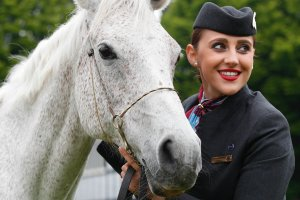 QATAR AIRWAYS SADDLE UP FOR SUCCESS WITH 2017 DUBLIN HORSE SHOW PARTNERSHIP