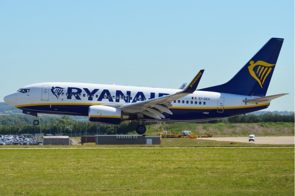 Image result for ryanair 737