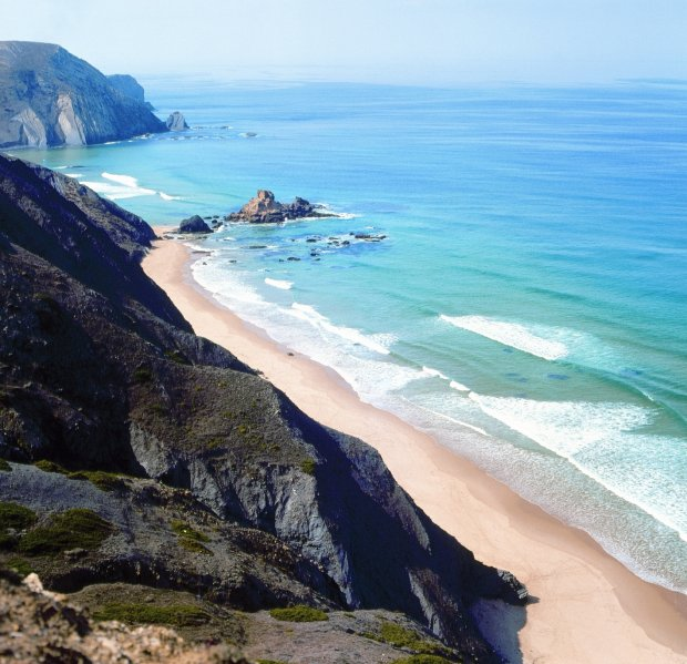 Best Countries In Europe To Retire: Why Americans Should Choose The Algarve To Retire