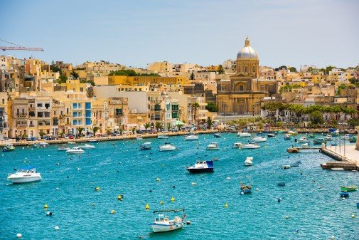 Fly non-stop to Malta from Gothenburg with Ryanair