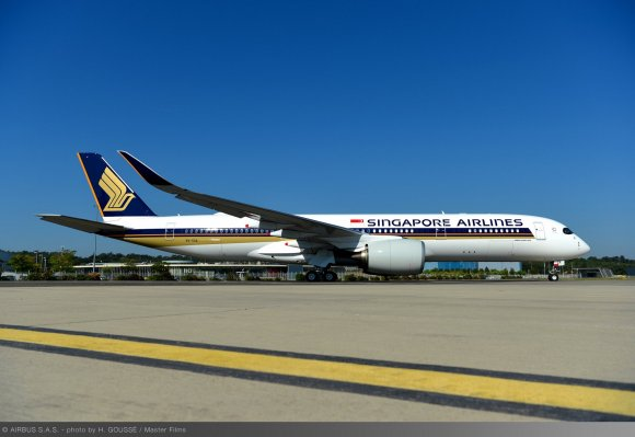 Singapore Airlines takes delivery of first A350-900 ULR for ...