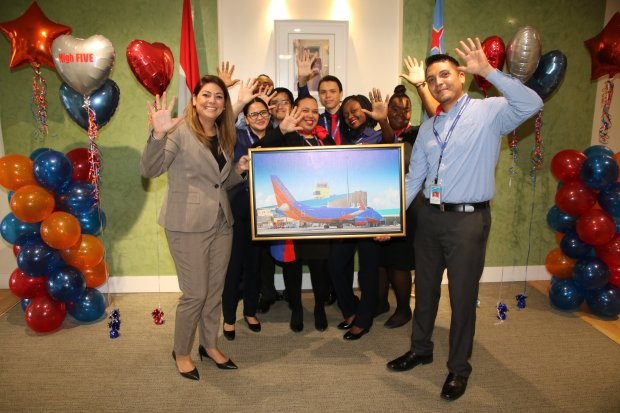 "Southwest Airlines celebrates its 5th anniversary, proving that their ""love for Aruba is still their field!"