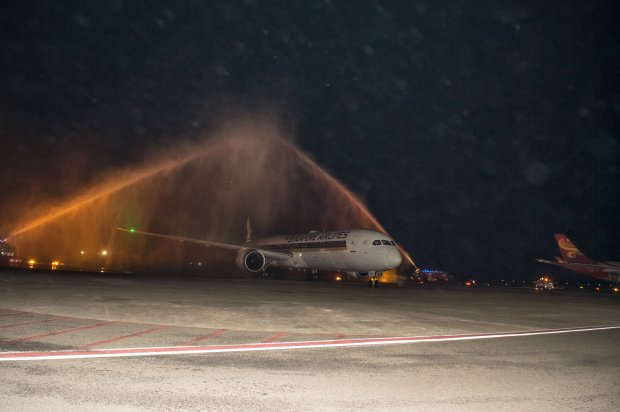 Velana International Airport Welcomes Singapore Airlines first B787-10 Dreamliner to Maldives