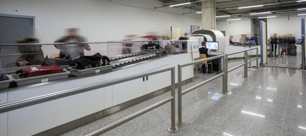 New scanners at Eindhoven Airport: liquids and electronics can remain in hand luggage