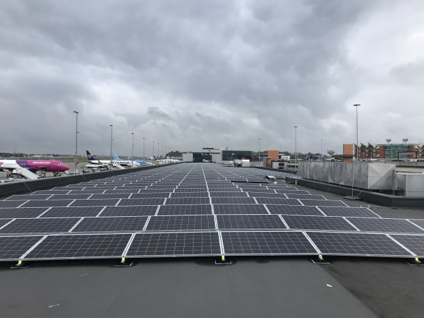 Photovoltaic system commissioned: Brussels South Charleroi Airport produces its first solar kilowatt hours