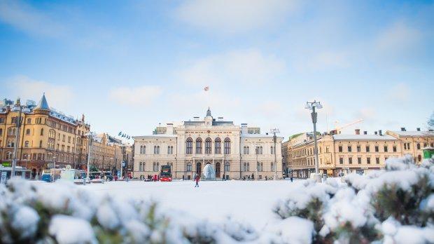 Winter in Central Square - Laura Vanzo