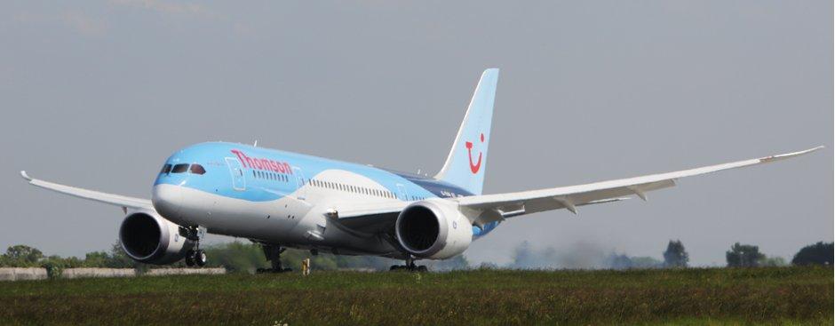 TUiFly 787