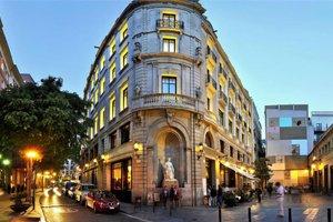 1898 hotel