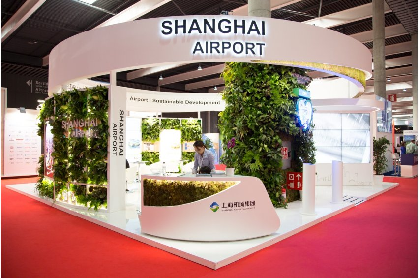 Shanghai stand