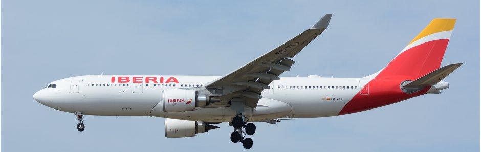 Iberia Airbus A330-200 cropped.jpg