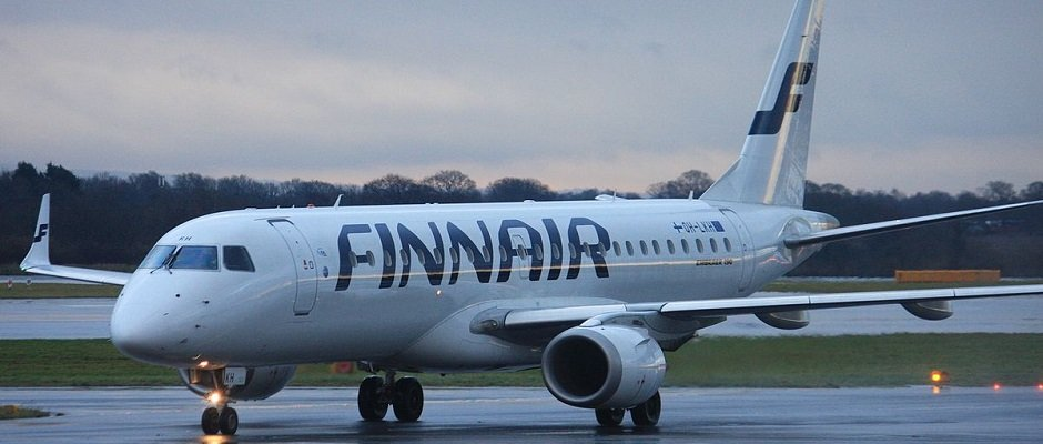 finnair e90 - credit Andrew Thomas